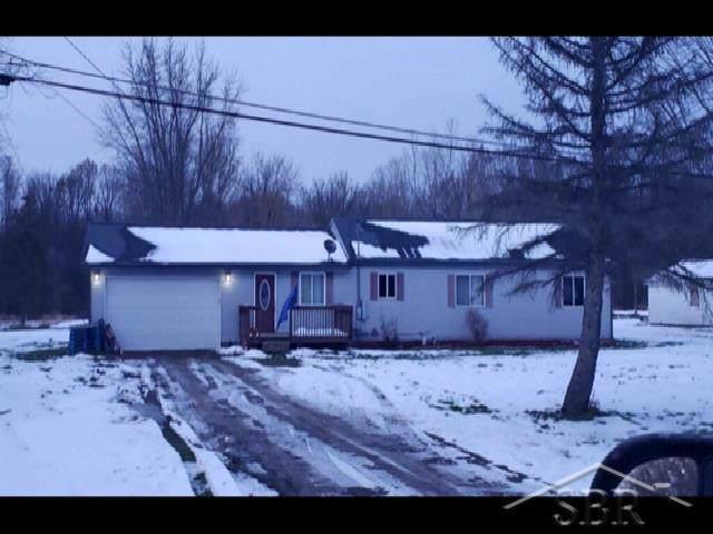 5206 W Carpenter Rd., Mt. Morris, MI 48504 (#61050000622) :: Springview Realty
