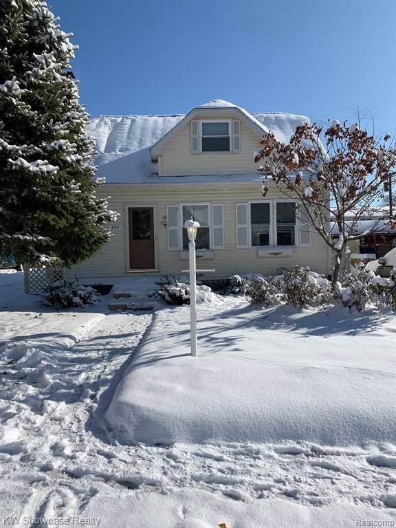 432 N Reese Street, South Lyon, MI 48178 (#219117765) :: The Buckley Jolley Real Estate Team