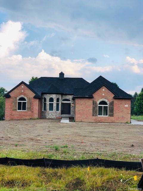 6347 Autumn Ash Lane, Bruce Twp, MI 48065 (MLS #219117976) :: The Toth Team