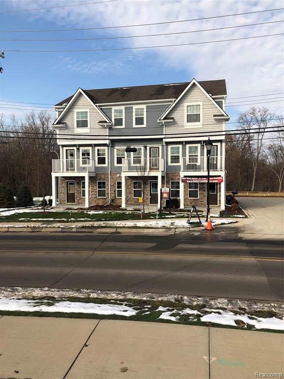 3315 N Squirrel Court, Auburn Hills, MI 48326 (#219119268) :: The Buckley Jolley Real Estate Team