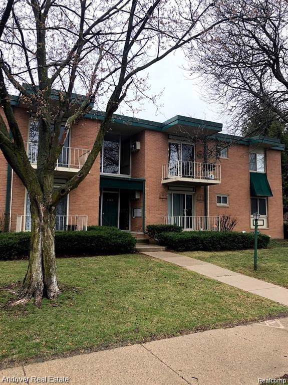 1902 Axtell Drive #1, Troy, MI 48084 (#219119737) :: Alan Brown Group