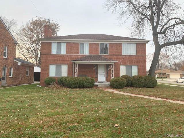 26425 Jefferson Avenue, Saint Clair Shores, MI 48081 (#219120209) :: The Mulvihill Group