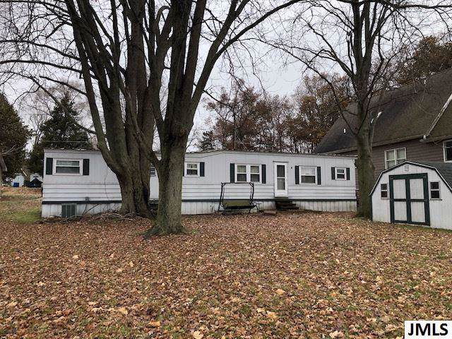 533 Norvell Beach Dr, Norvell, MI 49230 (MLS #55201904363) :: The Toth Team