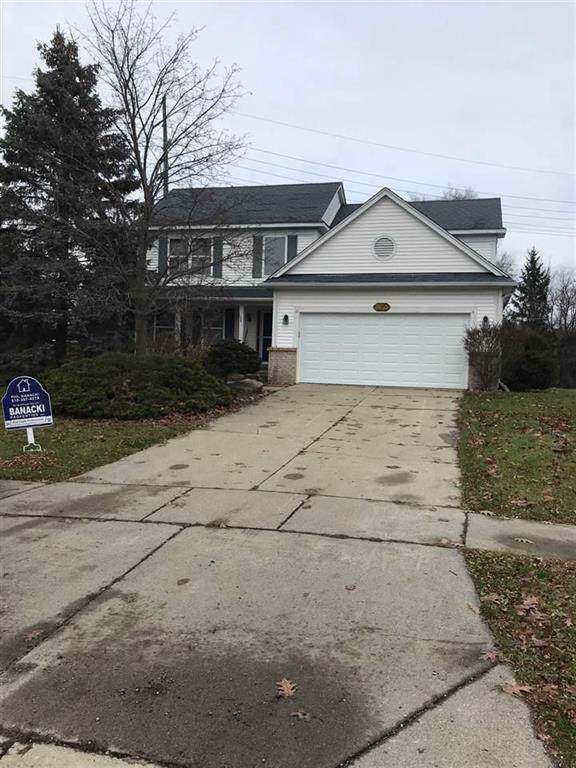 753 Forestberry, Milford, MI 48381 (#5050001384) :: The Mulvihill Group