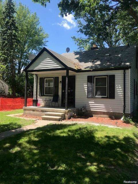 18191 Fielding Street, Detroit, MI 48219 (#219120724) :: Alan Brown Group