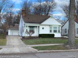 21815 California Street, Saint Clair Shores, MI 48080 (#219120999) :: The Mulvihill Group