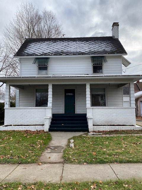 710 Adams St, Owosso, MI 48867 (#5050001614) :: The Buckley Jolley Real Estate Team