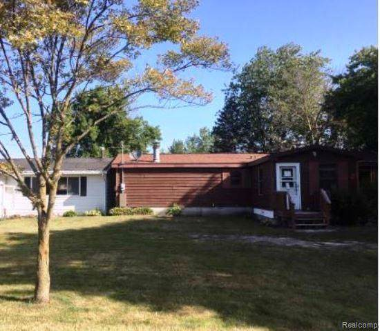 1549 E Linwood Road, Fraser Twp, MI 48634 (#219121845) :: The Alex Nugent Team | Real Estate One