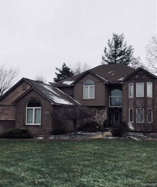 4623 Spring Ridge Drive, White Lake Twp, MI 48383 (#219121866) :: The Buckley Jolley Real Estate Team