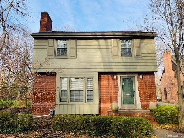 12758 Vernon Avenue, Huntington Woods, MI 48070 (#219122741) :: The Buckley Jolley Real Estate Team