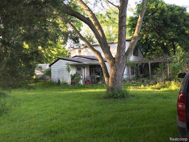 24448 Huron River, Flat Rock, MI 48134 (MLS #219124359) :: The Toth Team