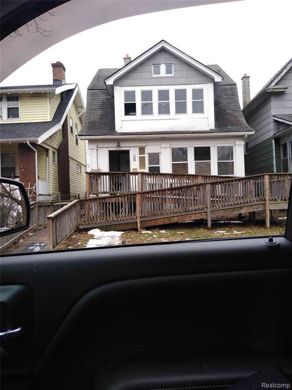 131 Geneva St, Highland Park, MI 48203 (#2200001872) :: The Buckley Jolley Real Estate Team