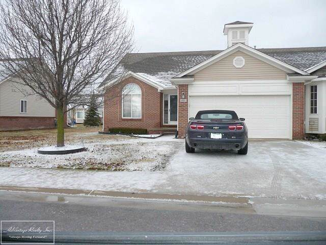 26067 Mariners Pointe, Chesterfield Twp, MI 48051 (#58050003413) :: Alan Brown Group