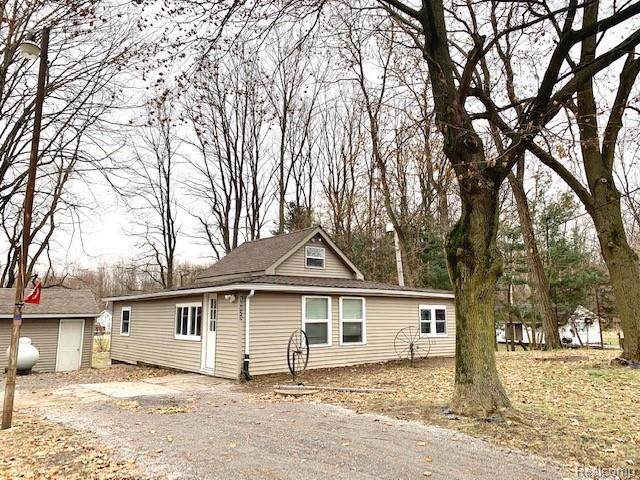 16025 Murray Road, Argentine Twp, MI 48418 (#2200003487) :: The Buckley Jolley Real Estate Team