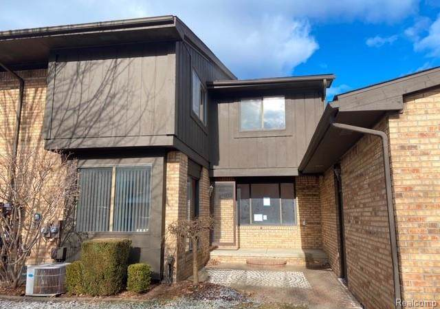 37161 Clubhouse Drive, Sterling Heights, MI 48312 (#2200004650) :: Springview Realty