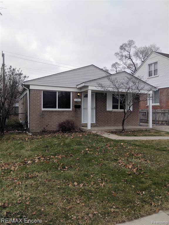 22401 Firwood Avenue, Eastpointe, MI 48021 (#2200005438) :: RE/MAX Nexus