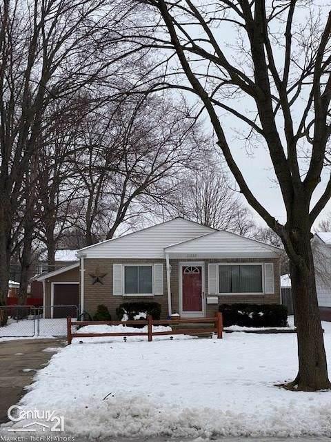 22633 Euclid, Saint Clair Shores, MI 48082 (#58050004189) :: The Alex Nugent Team | Real Estate One