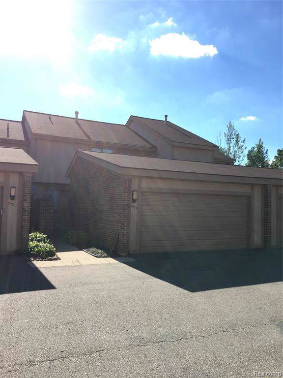 5373 Wright Way W, West Bloomfield Twp, MI 48322 (#2200006881) :: Keller Williams West Bloomfield