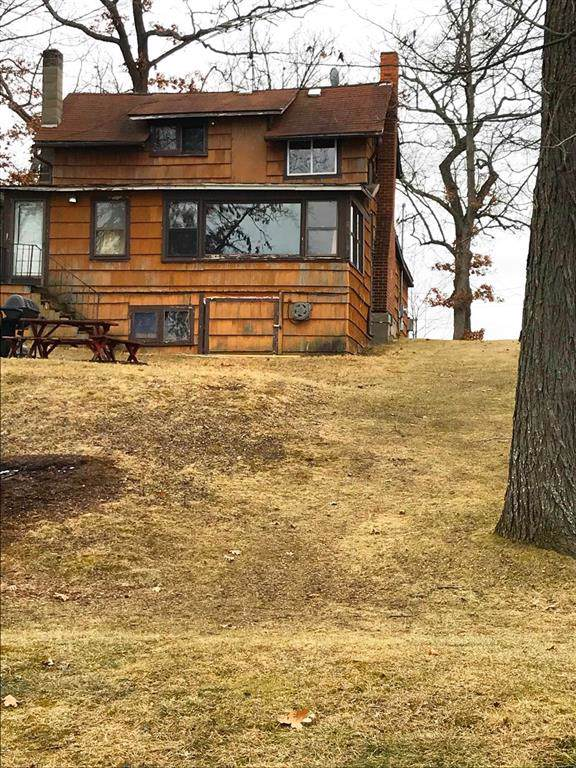 82 Cavanaugh Lake Road, Sylvan, MI 48118 (#543270821) :: The Mulvihill Group