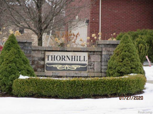 4496 Thornhill Drive, Auburn Hills, MI 48326 (MLS #2200007420) :: The Toth Team