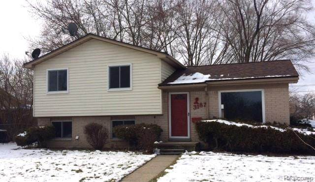 3187 Cummings Avenue, Berkley, MI 48072 (#2200011503) :: Alan Brown Group