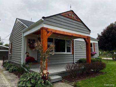 22200 Revere Street, Saint Clair Shores, MI 48080 (#2200012418) :: GK Real Estate Team