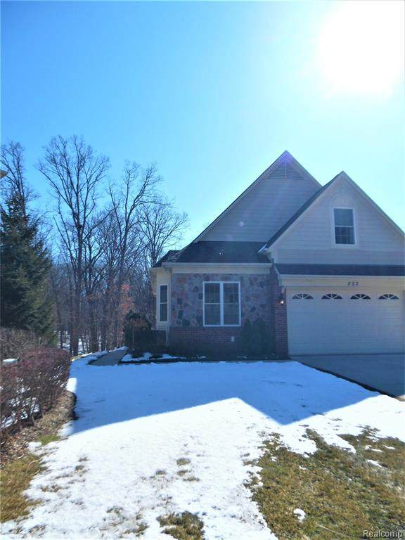 553 Andover Court, Rochester Hills, MI 48306 (#2200014078) :: RE/MAX Nexus
