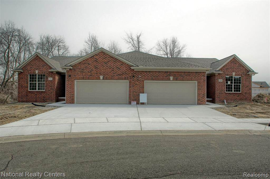 12211 Twin Brooks Circle - Photo 1