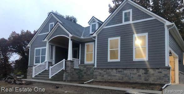Lot B Pine Drive, Lyon Twp, MI 48178 (#2200021886) :: The Buckley Jolley Real Estate Team