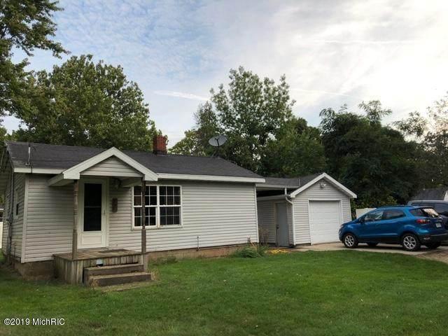 209 Adrian St, JONESVILLE VLLG, MI 49250 (#62020012179) :: The Alex Nugent Team | Real Estate One