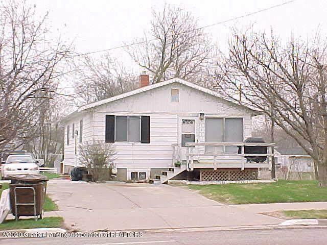 3302 E Lake Lansing Road, East Lansing, MI 48823 (MLS #630000245278) :: The John Wentworth Group