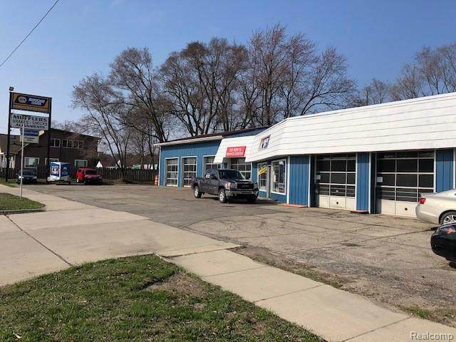 5272 Dixie Highway, Waterford Twp, MI 48329 (#2200025437) :: Robert E Smith Realty