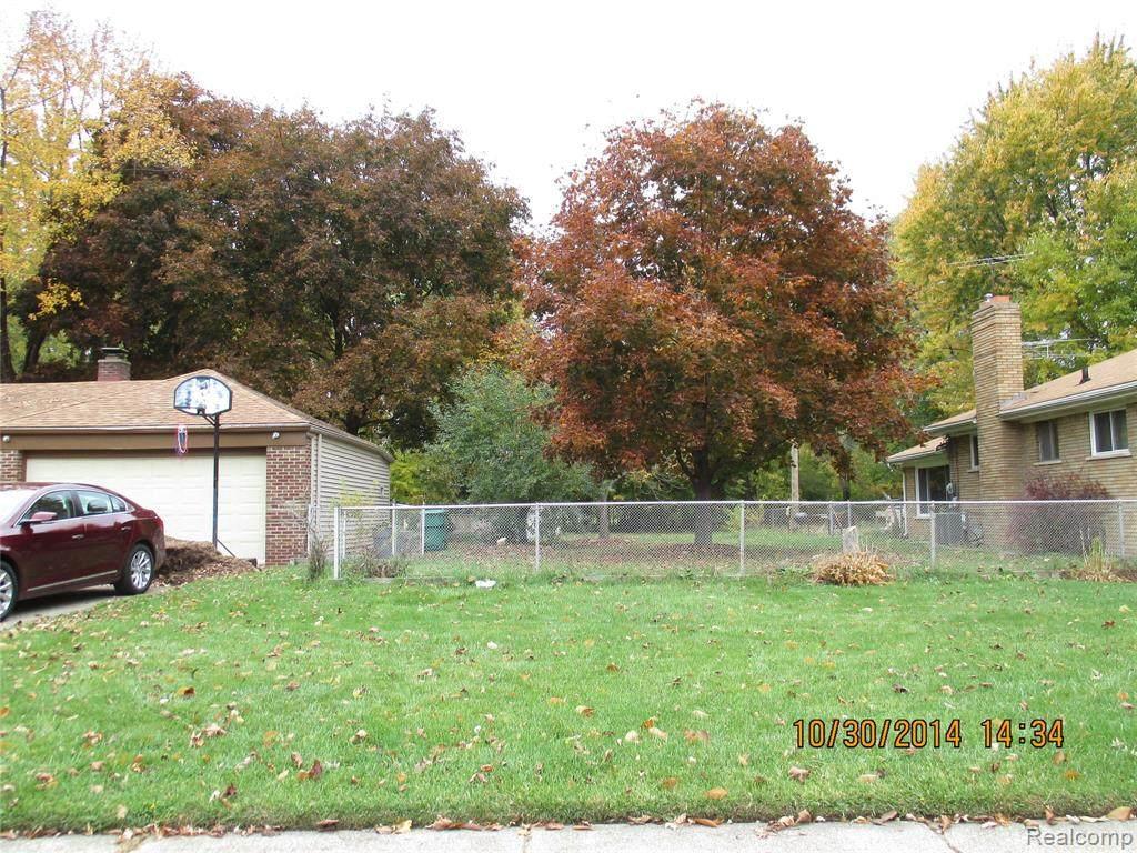 Lot btw 21821 and 21 Elmwood - Photo 1