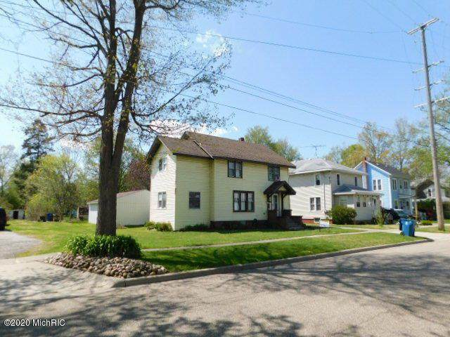 117 N Walker St, CITY OF BRONSON, MI 49028 (#62020015510) :: Real Estate For A CAUSE