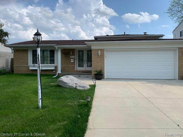 26905 Timber Trail, Dearborn Heights, MI 48127 (MLS #2200038963) :: The Toth Team