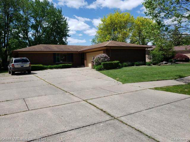 15136 Paramount Court, Sterling Heights, MI 48313 (MLS #2200039038) :: The Toth Team