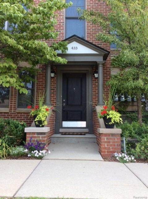 433 S Ashley Street, Ann Arbor, MI 48103 (#2200040566) :: The Mulvihill Group