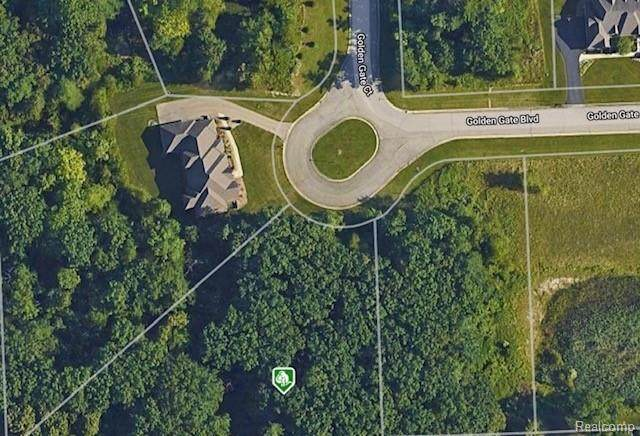 000 Golden Gate Court, Grand Blanc Twp, MI 48439 (#2200043389) :: Real Estate For A CAUSE