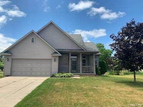 844 Barn Swallow Lane, Milan, MI 48160 (#2200044187) :: Alan Brown Group