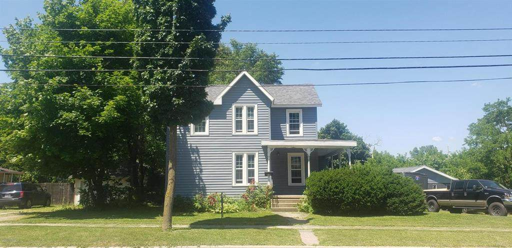 638 Winter St - Photo 1