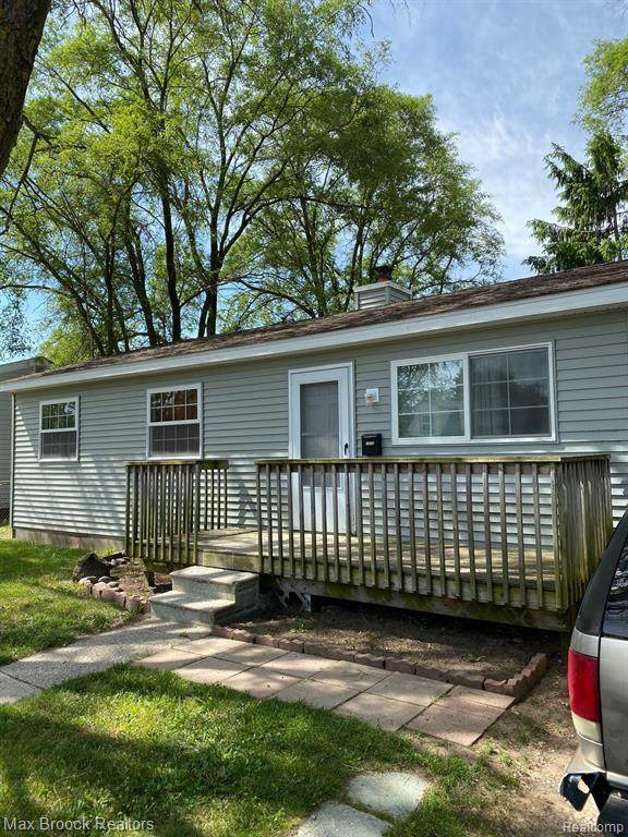 1335 Hunter, Ypsilanti Twp, MI 48198 (MLS #2200044739) :: The Toth Team