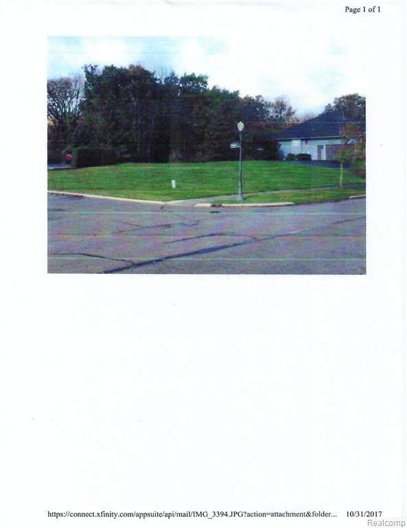 10128 Golfside Drive, Grand Blanc Twp, MI 48439 (#2200046777) :: BestMichiganHouses.com