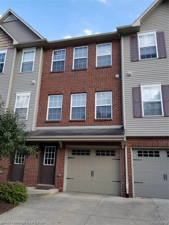 1628 Red Hickory Court #29, Howell Twp, MI 48855 (#2200047228) :: Novak & Associates