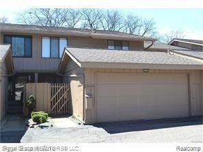 7405 Pebble Point, West Bloomfield Twp, MI 48322 (#2200049487) :: GK Real Estate Team