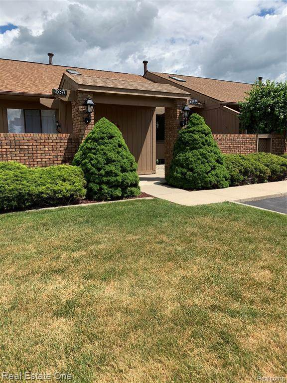 25373 Potomac Drive #2, South Lyon, MI 48178 (#2200049725) :: Novak & Associates
