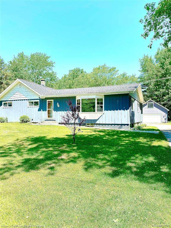 5602 Griswold Road, Kimball Twp, MI 48074 (MLS #2200050955) :: The Toth Team
