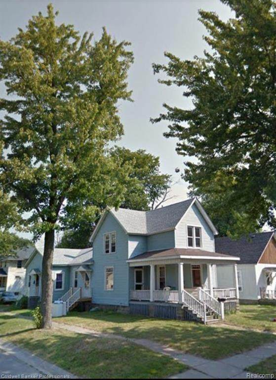 816 15 Street, Port Huron, MI 48060 (MLS #2200051496) :: The Toth Team