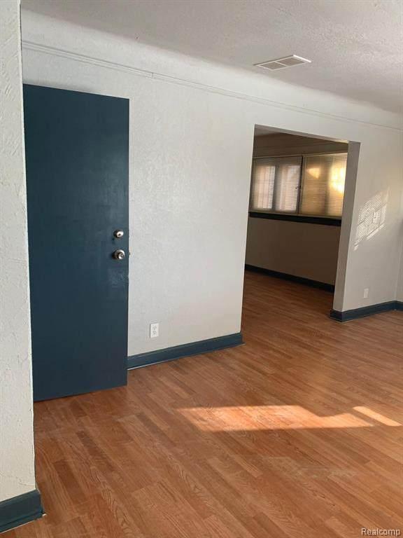 14548 Forrer Street, Detroit, MI 48227 (#2200052650) :: BestMichiganHouses.com