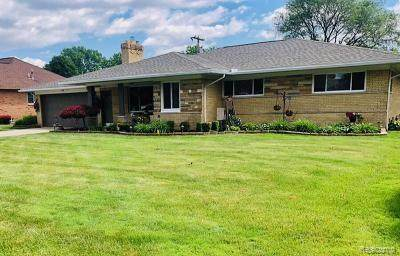 38300 Medville Drive, Sterling Heights, MI 48312 (#2200053638) :: The Mulvihill Group
