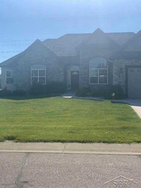 4283 Spurwood Dr, Saginaw Twp, MI 48603 (#61050017407) :: GK Real Estate Team